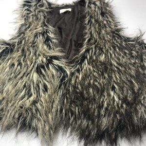 Maurices faux fur size Large black and gray vest